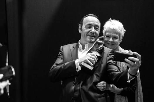 Kevin Spacey and Judi Dench backstage at the 2015 Olivier Awards at the Royal Opera House in London. *PUBLICIST CLEARANCE NEEDED BEFORE USE.* © Matt Humphrey / eyevine Contact eyevine for more information about using this image: T: +44 (0) 20 8709 8709 E: info@eyevine.com http:///www.eyevine.com